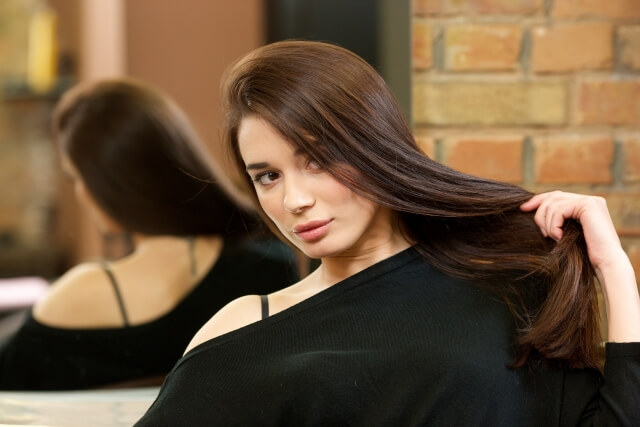 艶髪女性イメージ